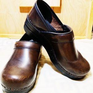 Dankso Deep Brown Leather Clogs Women Shoes
